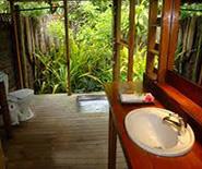 Fafa_outdoor bathroom2