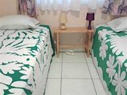 farehau_twin_room_185x139