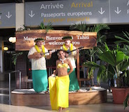 tahiti_airport-welcome_185